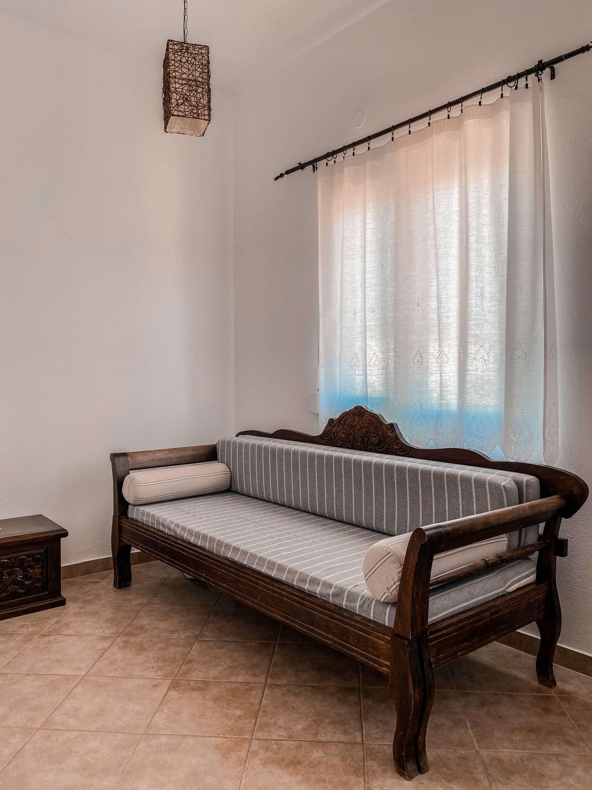 Tsakanos-apartment-2