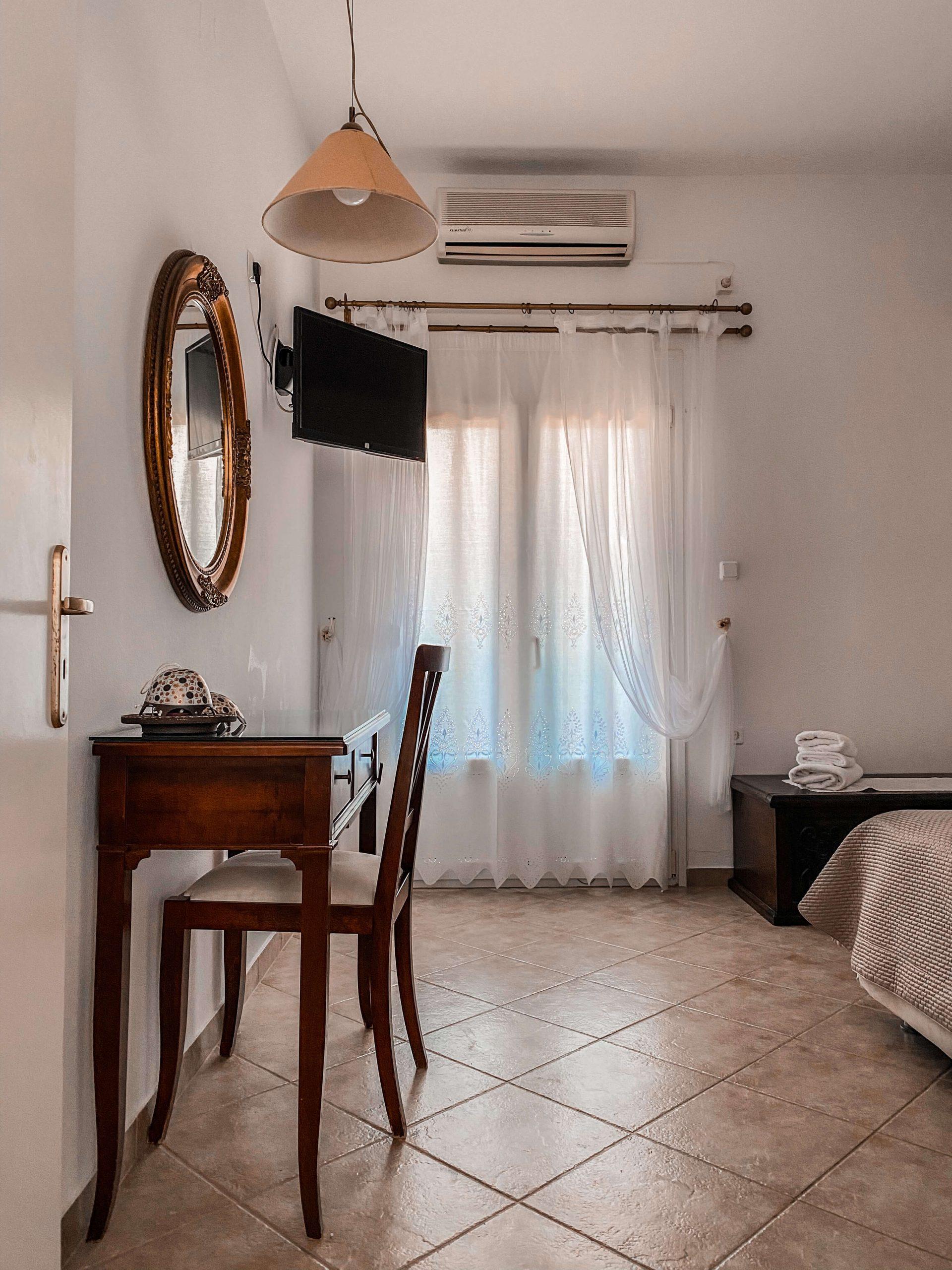 Tsakanos-apartment-3