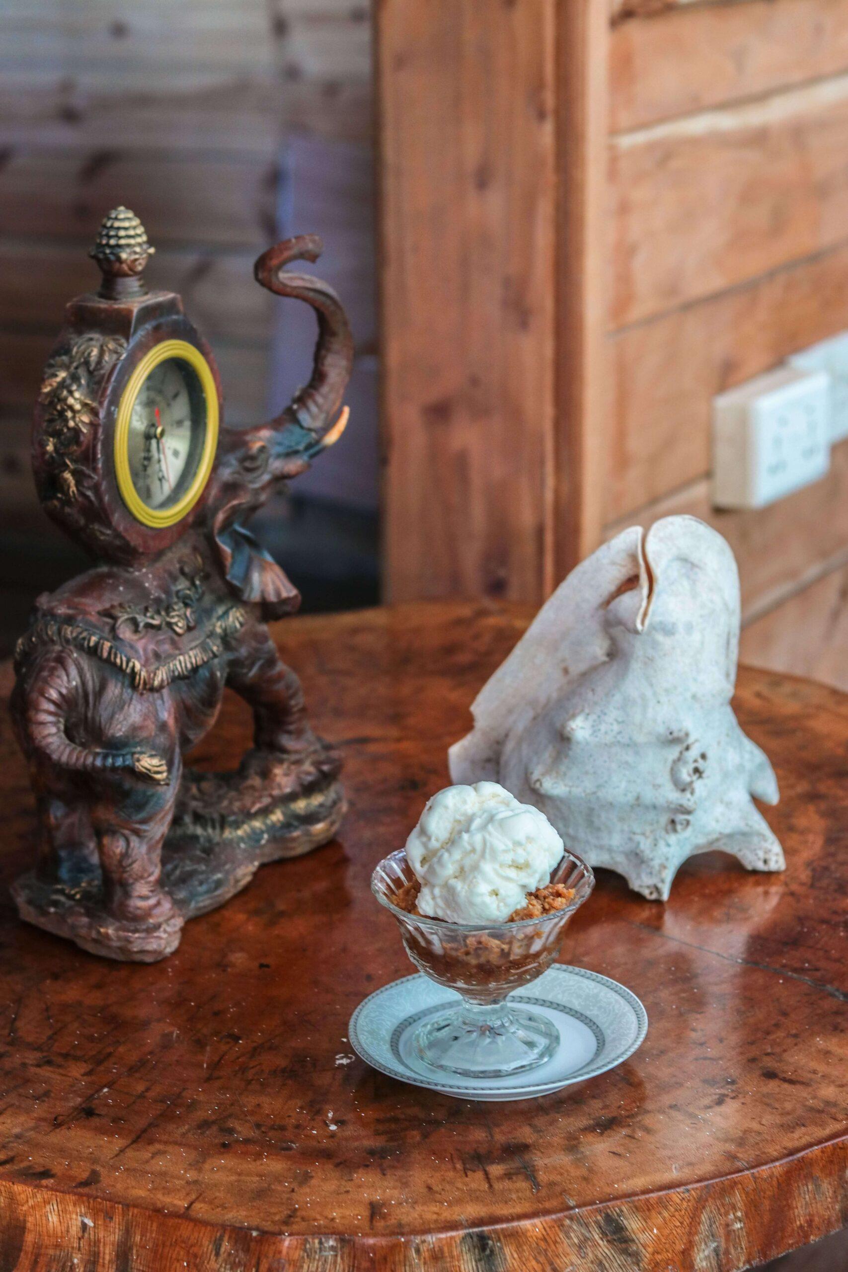 Marie-Antoinette-Restaurant-coconut-icecream-Seychelles